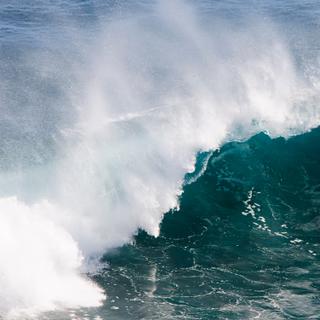 Waves - Powerful